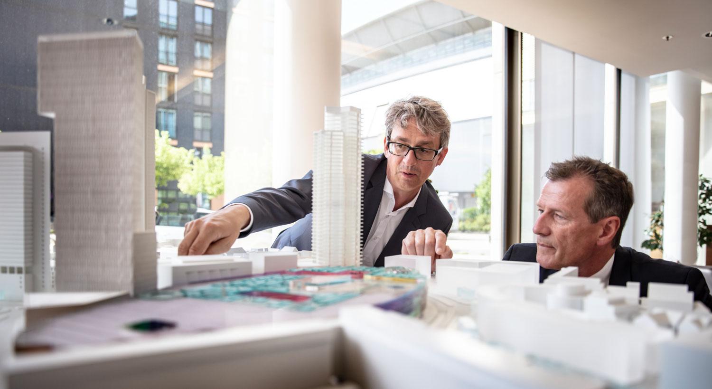 inszeniertes Portrait im Architekten Büro